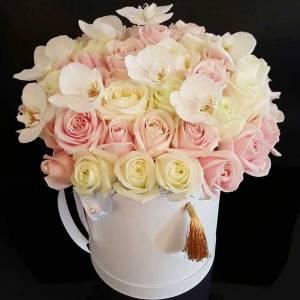 Орхидеи и розы в коробке R793