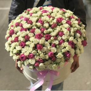 Коробка 101 кустовая роза микс R1950