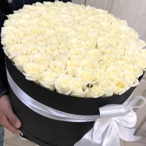 Черная коробка 101 белая роза R2105